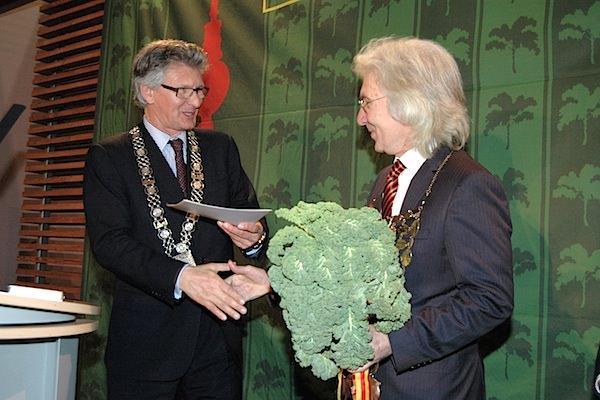 Abel & Gerdes Catering hat sich mit Begeisterung der Aufgabe gewidmet, den Königskohl als besondere Variation zu kreieren. Anlass dafür gab der diesjährige Grünkohlkönig Hüseyin Avni Karslioglu, der türkische Botschafter in Berlin.